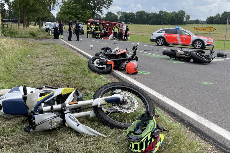 Die Biker wurden bei dem Unfall teils schwer verletzt.