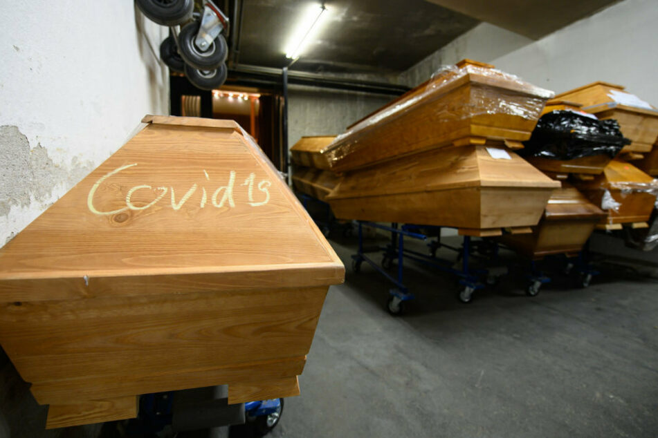 Sachsens Krematorien am Limit: Die Grünen fordern Einsatz der Bundeswehr