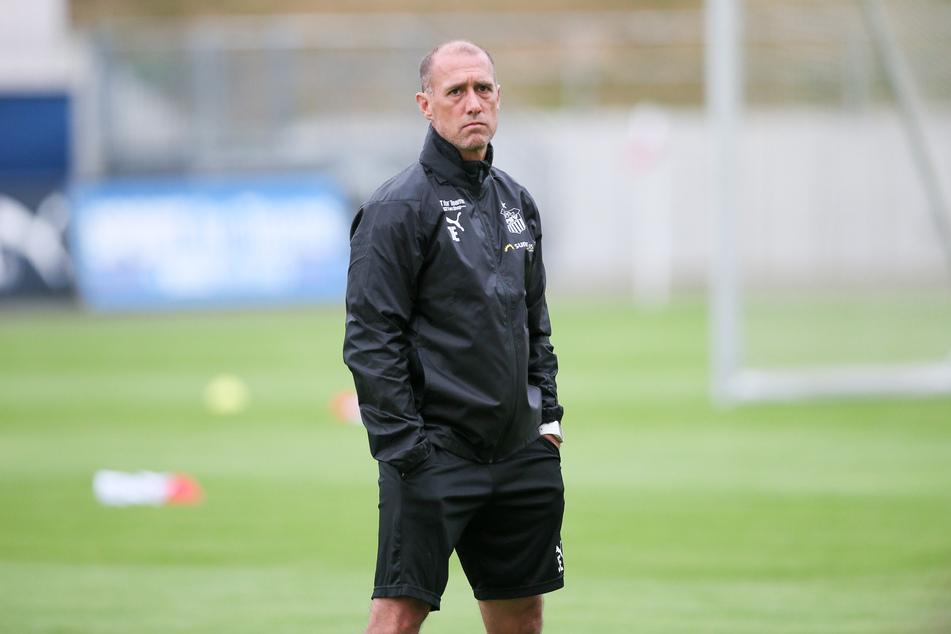 FSV-Coach Joe Enochs wollte seine Mannschaft am Dienstag mit einem Testspiel gegen Würzburg auf die neue Saison vorbereiten.