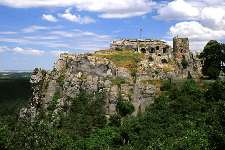 Festung zum Klettern und Staunen: In dieser Ruine macht Geschichte Spaß