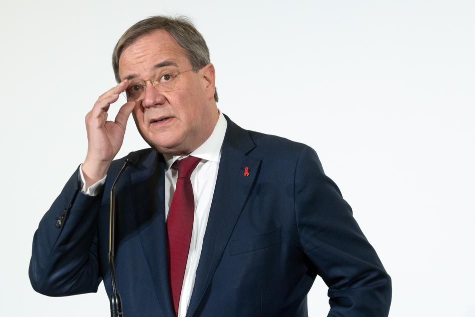 NRW-Ministerpräsident Armin Laschet (59) ist für schärfere Corona-Maßnahmen.