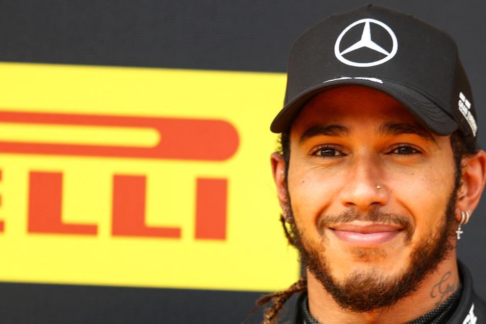 """Ritterschlag von der Queen: Lewis Hamilton darf sich jetzt """"Sir"""" nennen"""