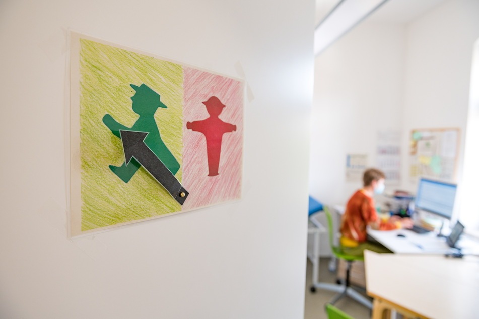 Klare Symbole versuchen, in der Klinik-Schule einhaltbare Regeln zu vermitteln.