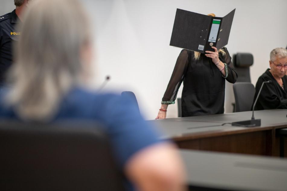 Mann mit Regenschirm zu Tode gequält und Leiche entsorgt: Urteil gefallen!