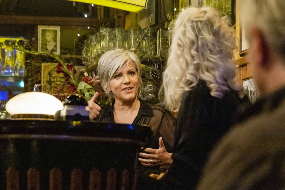 Birgit Schrowange (62) und Ina Müller (55) im Gespräch.