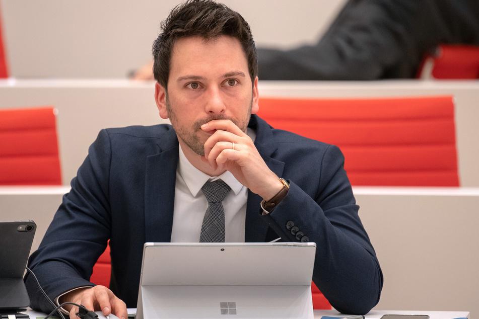 Der Parlamentarische Geschäftsführer der Brandenburger AfD-Landtagsfraktion, Dennis Hohloch sieht keine Spaltung in seiner Partei.