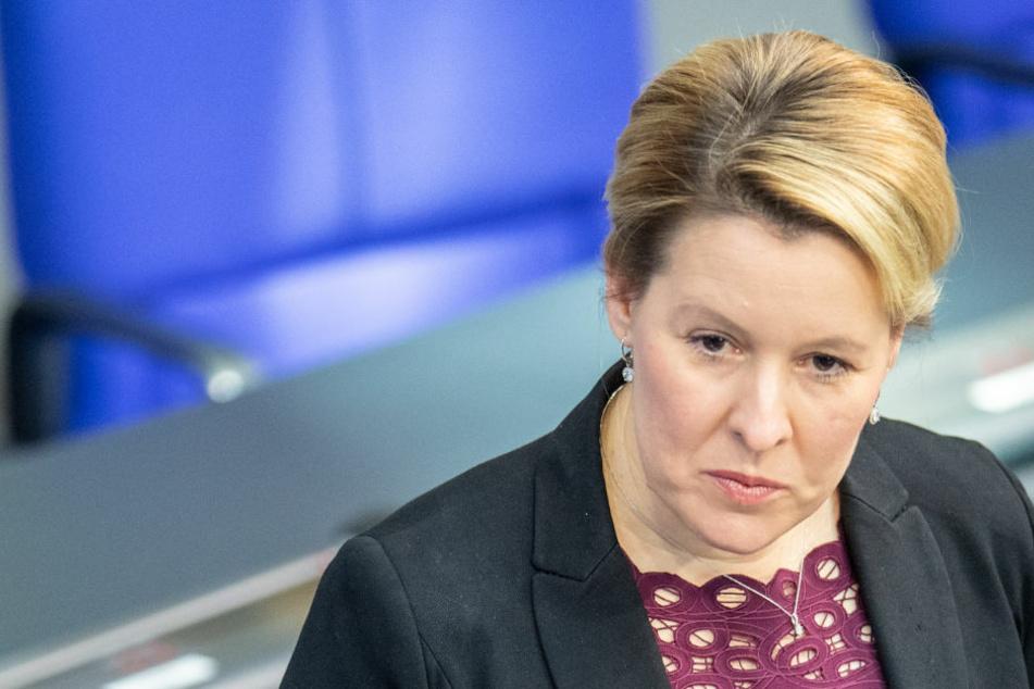 Berlin: Farbangriffe auf SPD-Büros in Berlin: Giffey verurteilt feige Attacken