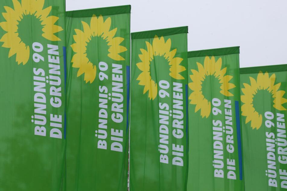Am Sonntag wird gewählt. Bis dahin betreiben auch die Kandidaten von Bündnis 90 / Die Grünen weiter Wahlkampf. Am Samstagnachmittag wurde dabei ihr Stand in Plauen angegriffen. (Symbolbild)