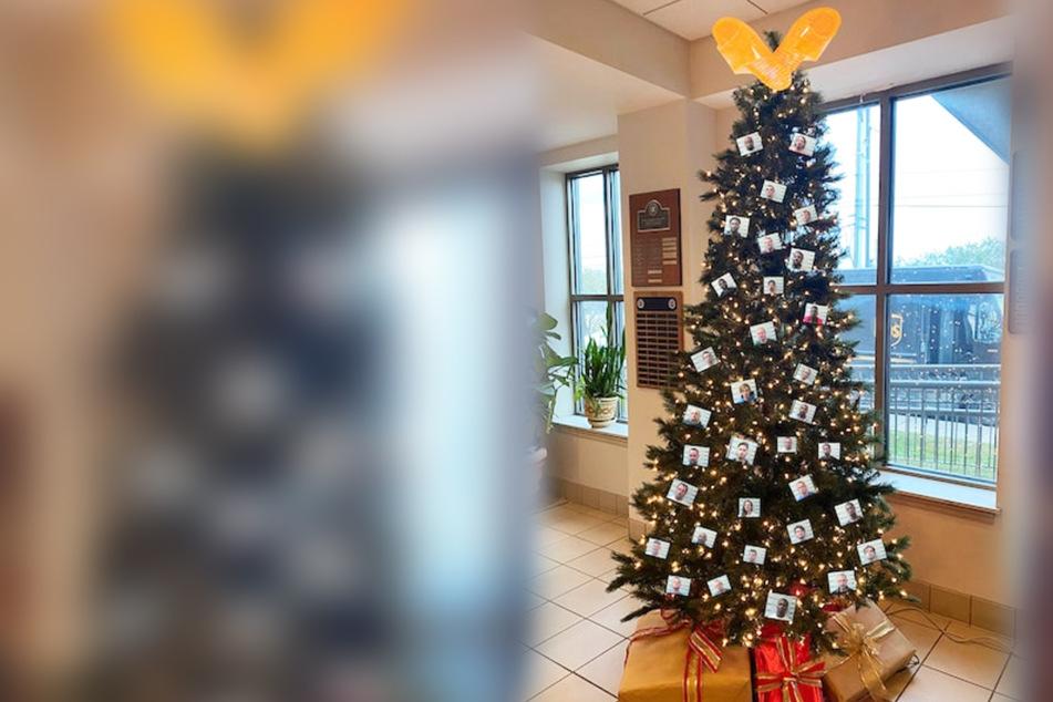 Polizei stellt besonderen Weihnachtsbaum auf: Im Netz kommt er gar nicht gut an!