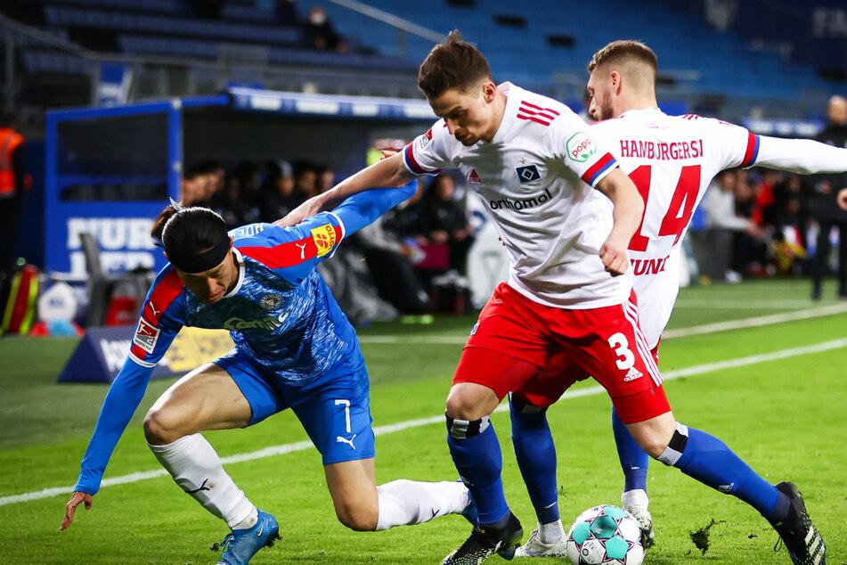 Trotz des engagierten Einsatzes von Moritz Heyer und Aaron Hunt (rechts) gab es nur einen Punkt gegen Kiel.