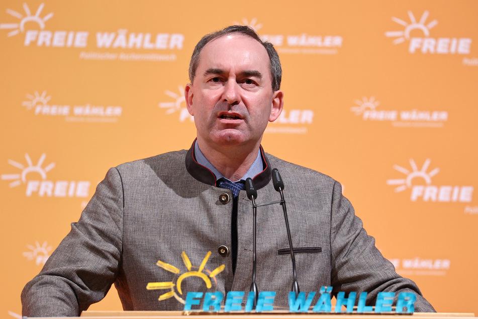 Wirtschaftsminister Hubert Aiwanger (50) will die beruflichen Bildung nicht gefährden. (Archiv)