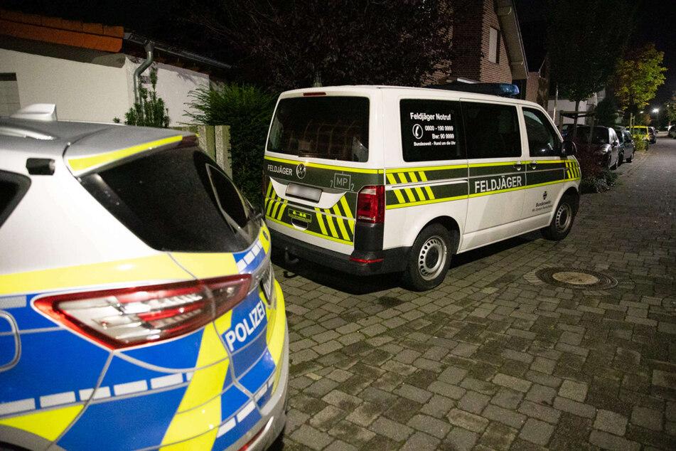 Die Einsatzkräfte waren am späten Dienstagabend zu dem Einsatzort in Aldenhoven im Kreis Düren ausgerückt.