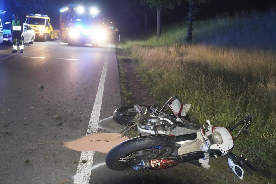 Der 17-Jährige prallte in Bautzen auf der B156 gegen einen Baum und verstarb noch an der Unfallstelle.