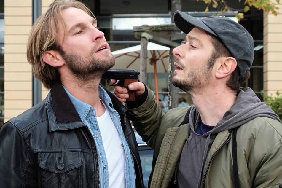 Gefährlicher Streit zwischen Felix Sonntag und Max Hellmann. Das Drama nimmt seinen Lauf.