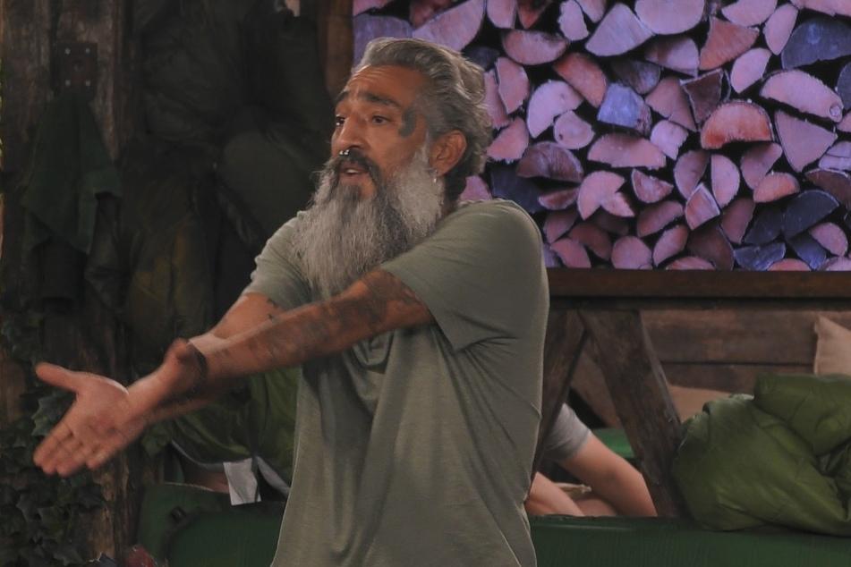 Promi Big Brother, Tag 4: Mega Zoff mit Hauptstadt-Bart Senay - fliegt er als Erster?