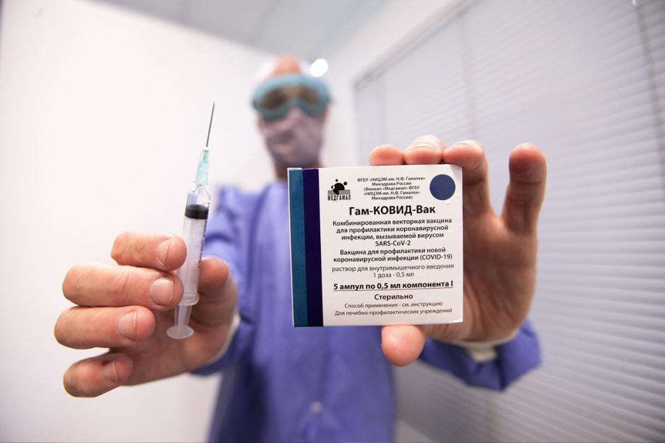 Sputnik V bald auch im Freistaat? Der Sachsen-MP hegt keinerlei Zweifel am russischen Impfstoff.