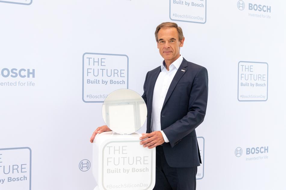 Volkmar Denner (64) eröffnete am Montag das neue Bosch-Halbleiterwerk in Dresden.