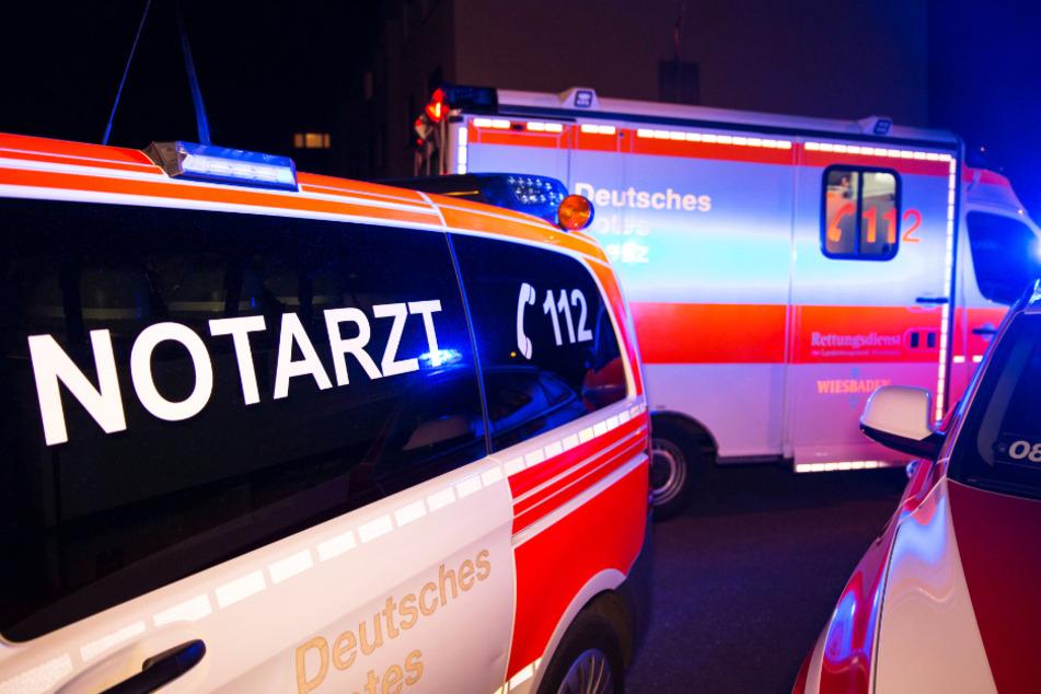 Zwei Erwachsene und zwei Kinder wurden auf dem schnellsten Weg in ein Krankenhaus gebracht.