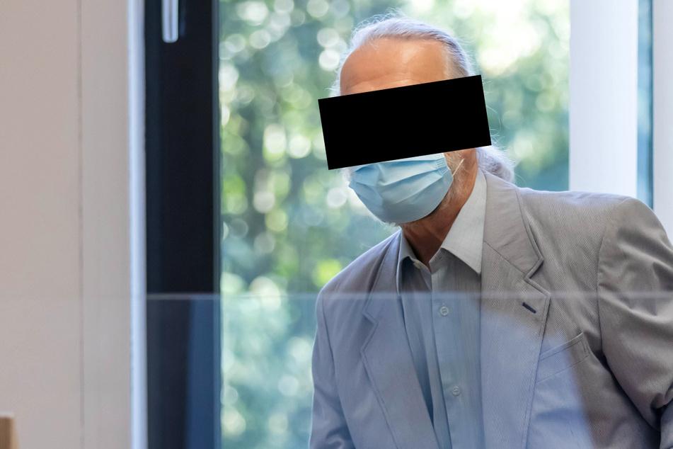 Carl-Heinz B. (86) stand wegen fahrlässiger Tötung vor dem Amtsgericht Chemnitz.