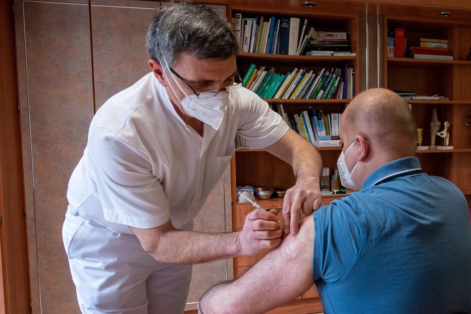 Impfzentren schließen im Juni: 4000 Ärzte sollen dann in Sachsen ran