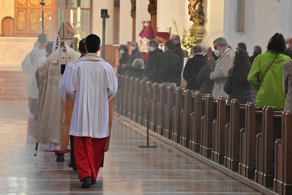Maske ja, Gesang nein: So feiern Christen in Bayern das Osterfest