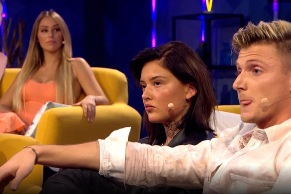 Aus Tommy (26) und Melina (24, l.) ist nach der Show nichts geworden. Stattdessen ist der Franzose jetzt mit einer anderen zusammen.