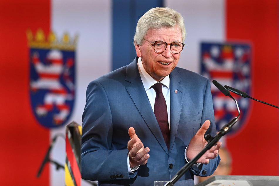 Volker Bouffier (69, CDU), Ministerpräsident von Hessen, will in Gastronomie und Veranstaltungsbranche das 2G-Modell zulassen.