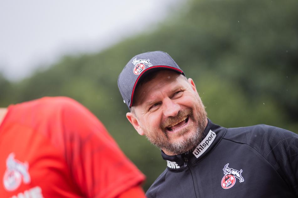 Wie in allen bisherigen Duellen nutzte FC-Coach Steffen Baumgart (49) den Test gegen die SV Elversberg zum Einsatz vieler Profis.