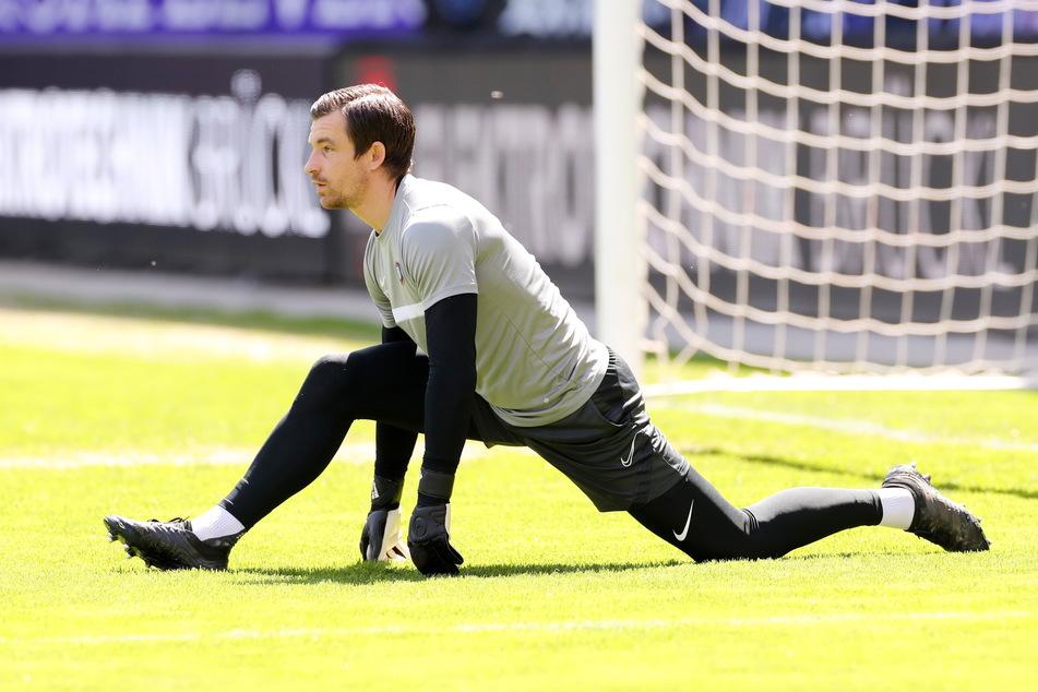 FCE-Urgestein Martin Männel (33) erlebt mit Aleksey Shpilevski (33) bereits seinen zwölften Trainer in Aue.