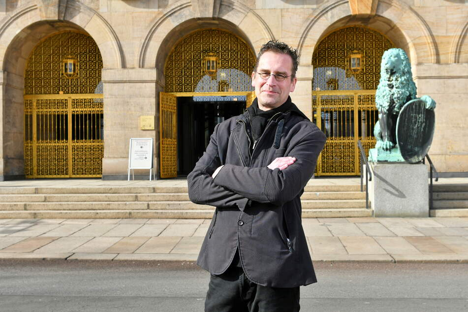 Dissident Martin Schulte-Wissermann (50, Piraten) befürchtet das Ende von Transparenz und bürgernaher Stadtratsarbeit.