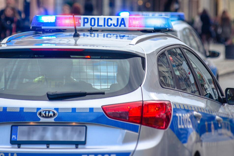In Polen ermittelt im Fall von drei jungen Männern, die tot im Vereinshaus eines Sportclubs gefunden wurden. (Symbolbild)