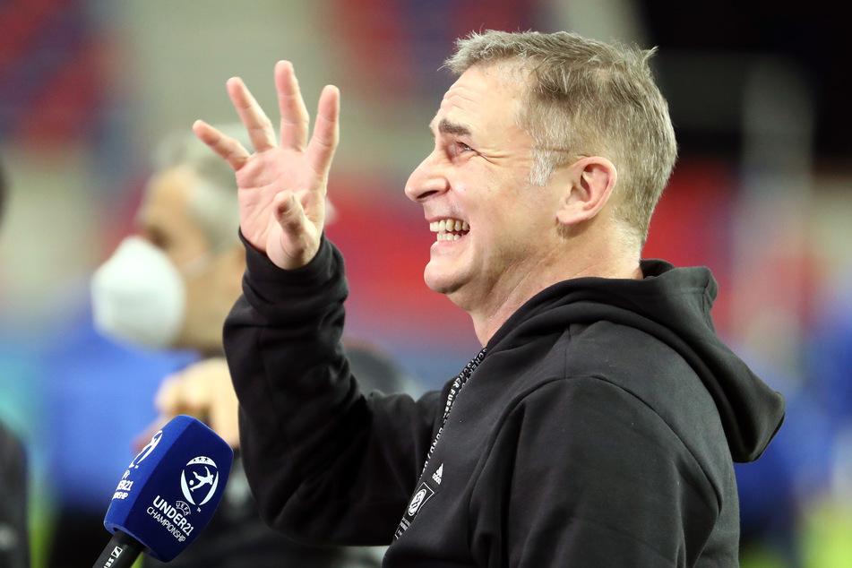 Auswahltrainer Stefan Kuntz (58) freut sich. Die vier Teams der Gruppe D stehen fest.