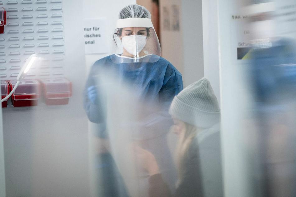 In Berlin sind 475 Neuinfektionen mit dem Coronavirus gemeldet worden und damit 30 mehr als am Vortag. (Symbolfoto)