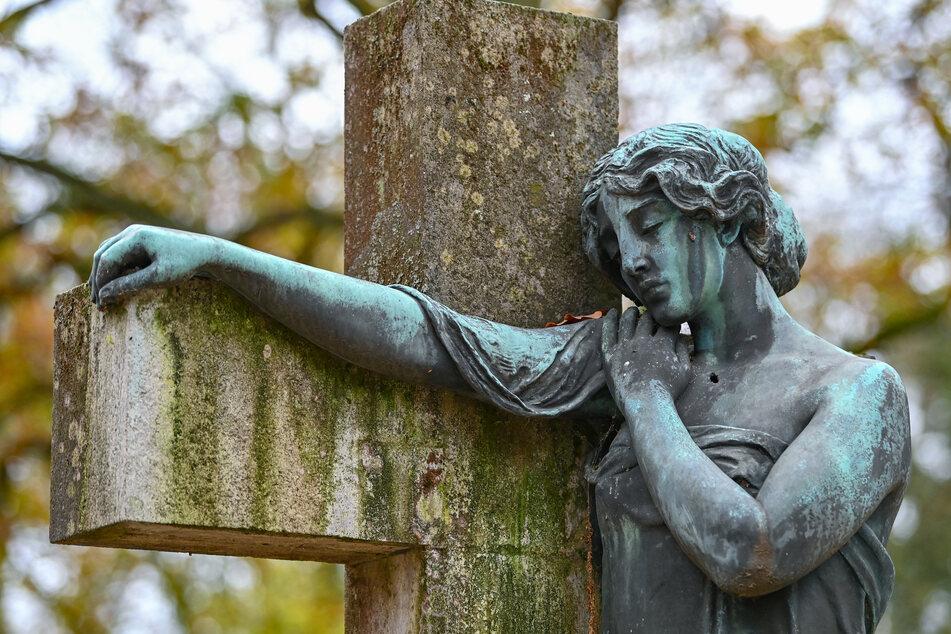 Eine Untersuchung der Leiche ergab keine Hinweise auf Gewalteinwirkung. Vielmehr soll ein Zinksarg der Grund für den guten Zustand des Verstorbenen sein. (Symbolfoto)