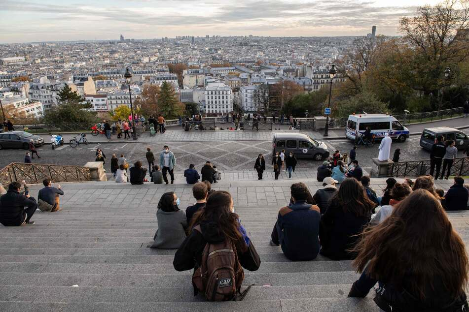 Frankreich hat diese Woche die Grenze von zwei Millionen Corona-Infizierten überschritten.