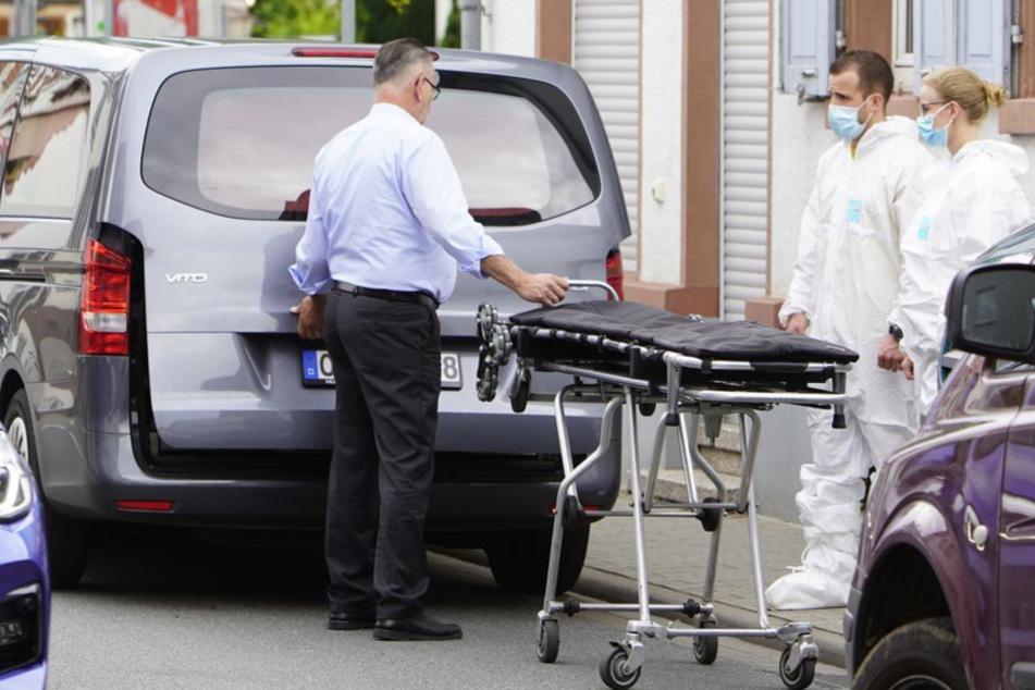 Die Polizei bestätigte, dass der junge Mann durch stumpfe Gewalteinwirkung gestorben sei.