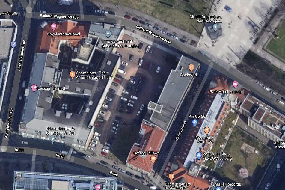 Der ehemalige Parkplatz zwischen Brühl und Richard-Wagner-Straße ist verschwunden. Bald stehen hier zwei neue Hotels.