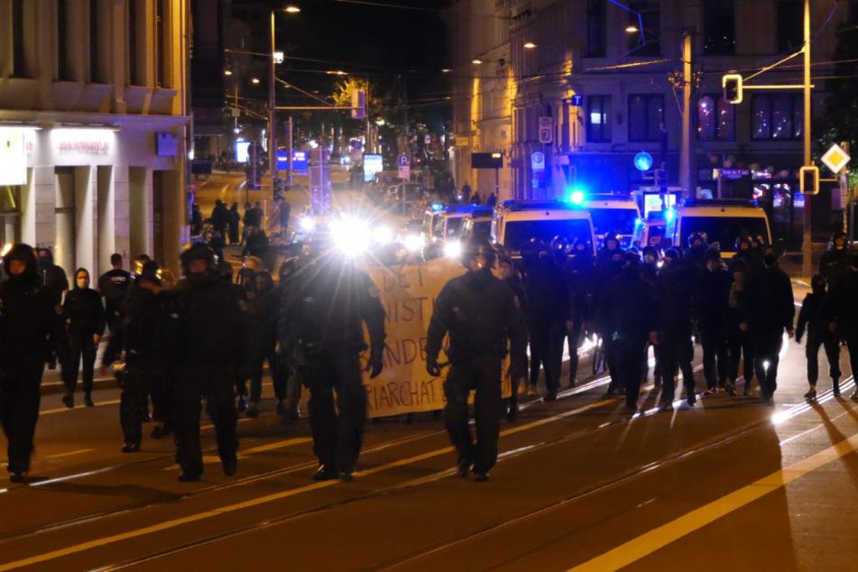 Nach den Ausschreitungen am Samstagabend kam es zu weiteren Demonstrationen für die Freilassung der festgenommenen Personen.
