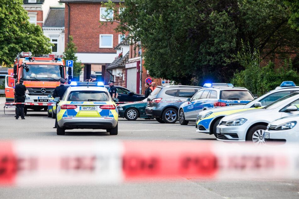 27. Juni 2019: Streifenwagen stehen am Tatort, an dem ein 26-Jähriger erschossen wurde. Dem Täter droht eine lebenslange Haft, das Urteil wird am Dienstag verkündet.