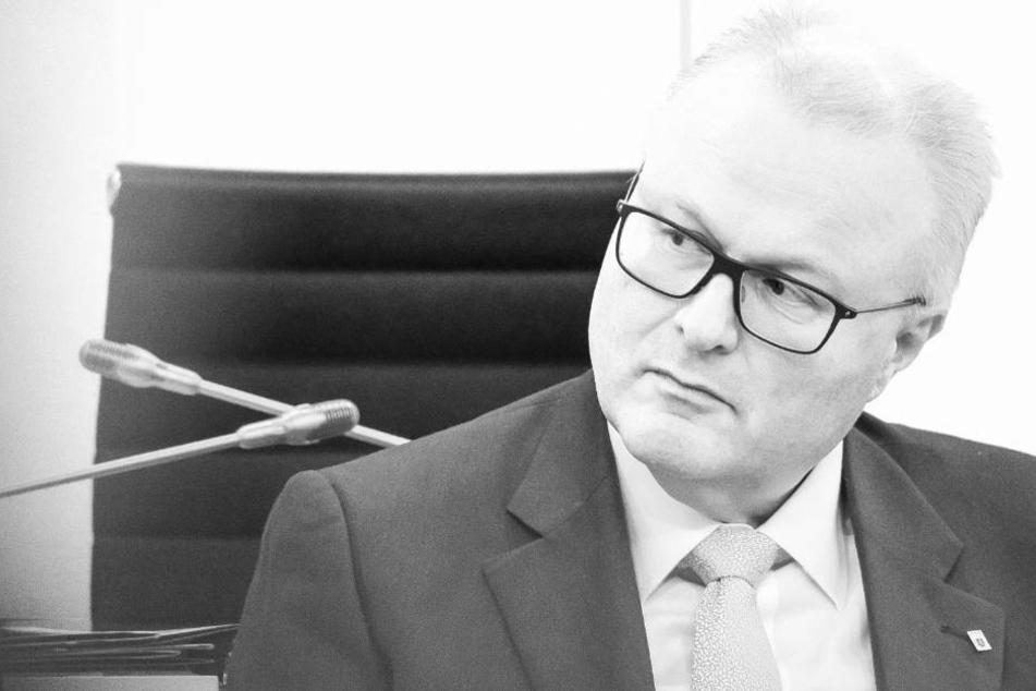 Hessens Finanzminister Thomas Schäfer tot bei Bahngleisen aufgefunden