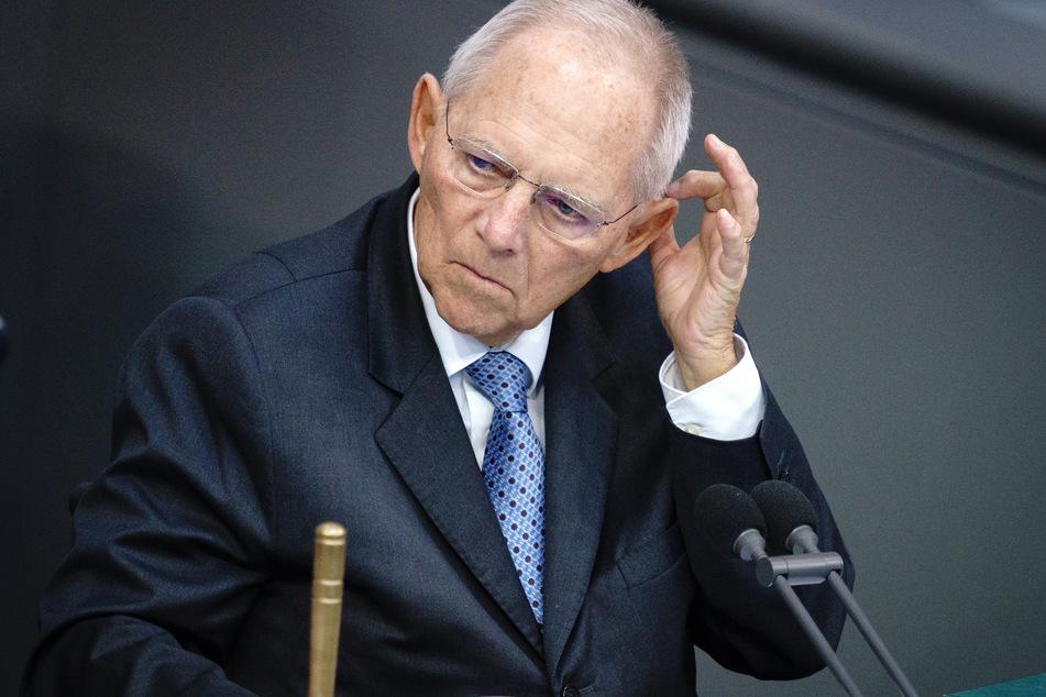 Wolfgang Schäuble (78, CDU), Bundestagspräsident, nimmt an einer Sitzung des Bundestags teil.