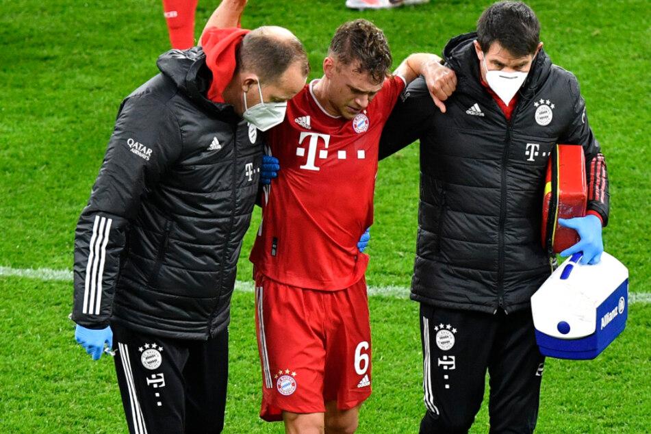 Joshua Kimmich (25, M.) vom FC Bayern München hat sich gegen Borussia Dortmund schwer verletzt.