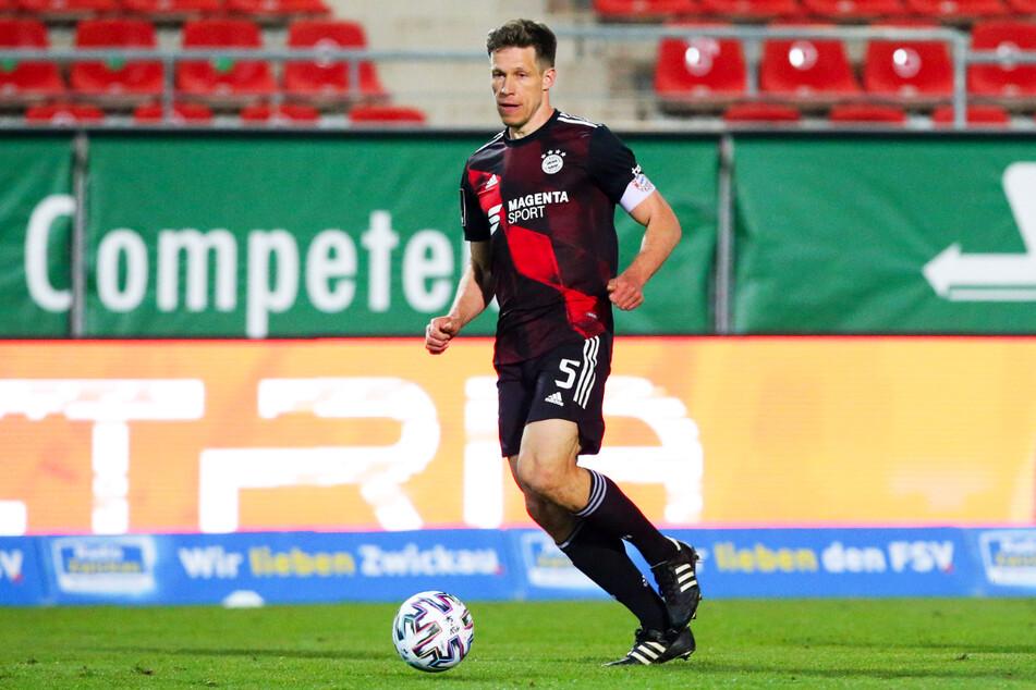 Bayern-II-Kapitän Nicolas Feldhahn (34) wurde in der vergangenen Saison noch Drittliga-Meister mit den Münchnern. Nun steht er mit seinem Team vor dem Abstieg.
