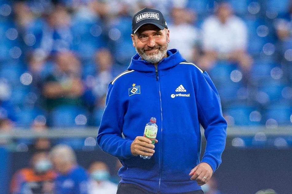 HSV-Trainer Tim Walter (45) war nach dem Sieg voll des Lobes für seinen Torwart Daniel Heuer Fernandes (28).