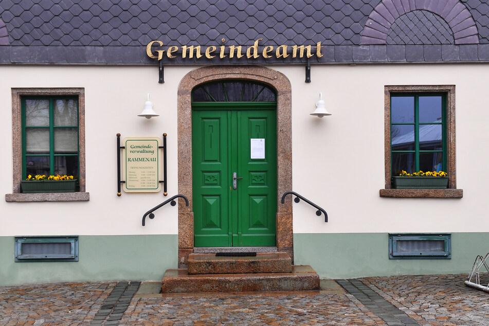 Statt vom Gemeindeamt leitet Rammenaus Bürgermeister die Amtsgeschäfte von zu Hause aus.
