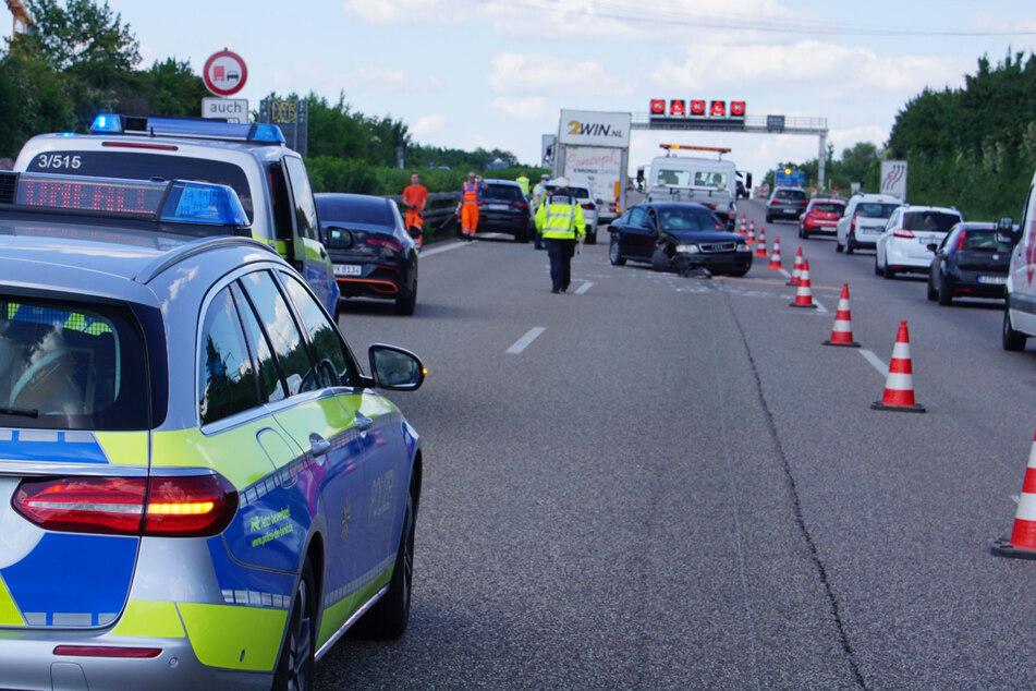 Heftiger Stau nach schwerem Unfall auf der A81