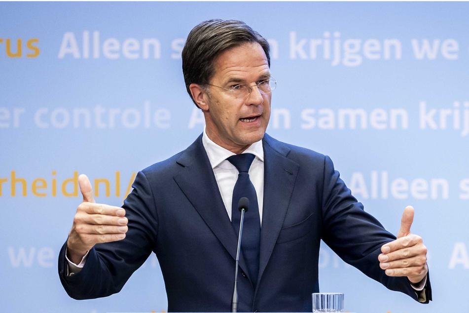 Wegen einer gestiegenen Anzahl Neuinfektionen sieht sich die niederländische Regierung um Mark Rutte (54) zu einer Verschärfung der Corona-Maßnahmen gezwungen.