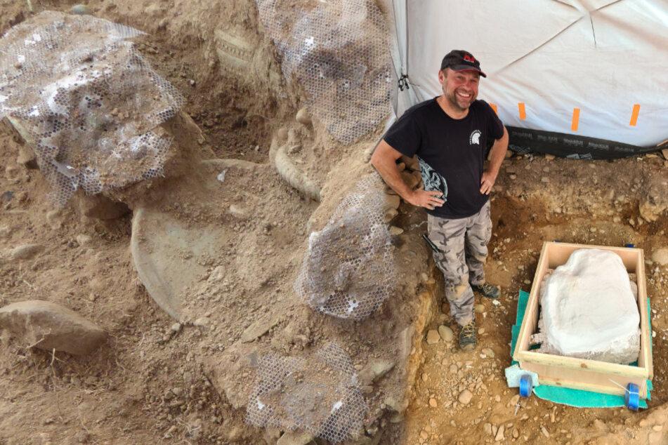 Mega-Fund mit einfachsten Mitteln: Mann findet Schatz aus der Bronzezeit!