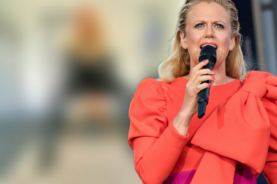 Barbara Schöneberger raubt Fans als heiße Latex-Braut den Atem