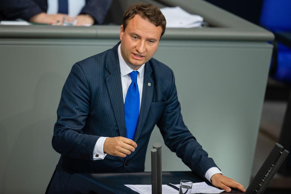 Auch das ehemalige Wahlkreisbüro des früheren CDU-Bundestagsabgeordneten Mark Hauptmann (36) wurde vom LKA durchsucht.